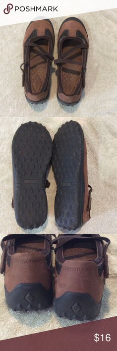 Lands End driving shoes Mary Jane style driving shoes. Been sitting in my closet for too long. A little bit of peeling on the top of one.(price reflects this) . Soles in great shape. I only wore a handful of times. Bundle & save. Fast shipper. Lands' End Shoes