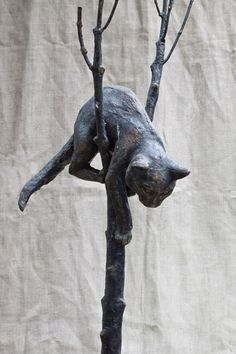 Cat sculpture by Cyril Rahmatullin
