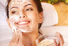 DIY Skin Care Tips : Anne Hathaway's gorgeous skin face mask. What this mask will do: Tighten Skin, Provide Natural Exfoliation, Help Heal Skin Hair And Beauty, Beauty Skin, Beauty Buy, Beauty Stuff, Diy Beauté, Diy Spa, Piel Natural, Natural Exfoliant, Bright Skin