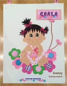 Cartel de bebe en foami, niña con flores, foamycreativo