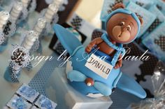 Could this really be a cake?! #cake #airplane #bears