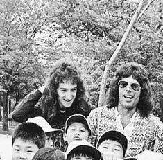 King Of Queens, Real Queens, Brian May, John Deacon, Adam Lambert, Great Bands, Cool Bands, Queen Meme, Queens Wallpaper