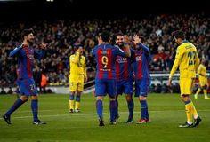 Suárez y Messi impulsan al Barcelona al segundo puesto liguero