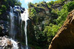 Air Terjun Cunca Rami : Asyiknya Berenang di Kolam Renang Alami