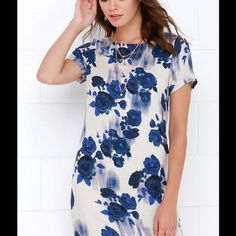 White Crow Blue Floral Print Shift Dress Super cute shift dress from Lulu's. Never worn and perfect condition. NWT Lulu's Dresses Mini