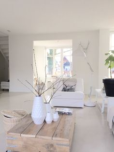 # (instead of - Einrichtungsstil Home Living Room, Interior Design Living Room, Modern Interior, Decoration Palette, White Rooms, Cozy House, Home Design, Home Decor Inspiration, Home Accessories
