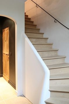 Staircase Railing Design, Rustic Staircase, Wood Stairs, House Stairs, Home Interior Design, Interior Styling, Interior And Exterior, Interior Decorating, Staircase Remodel