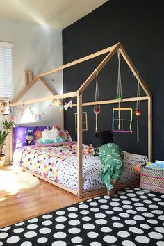 Un lit en forme de maison vraiment canon