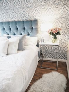 Master Bedroom Ideas - Find ideas for your room with these master bedroom enhancing ideas as well as produce a room that's anything however sleepy. Master Bedroom Design, Bedroom Inspo, Home Bedroom, Magical Bedroom, Bedroom Decor, Bedroom Ideas, Bedrooms, Small Cozy Apartment, Fashion Room