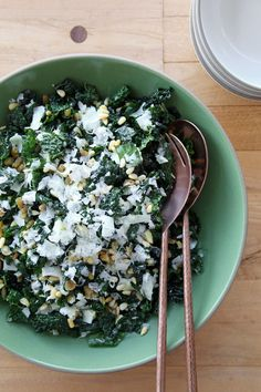 A Dinner-Party-Worthy Kale Salad
