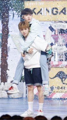 New memes bts friends ideas Girl Humor, Mom Humor, Baby Items Must Have, Jaehwan Wanna One, Fandom Kpop, Girlfriend Humor, Dating Girls, Boys Wallpaper, Produce 101 Season 2