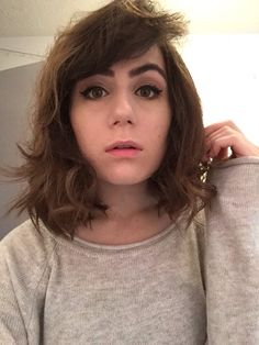 Hairstyles For Short Hair Dodie : college medium length dark hair messy short hair grunge girl bowler ...