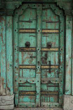 Doors of Perception Photo Memories, Perception, Vintage Photos, Doors, Blog, Old Photos, Doorway, Gate