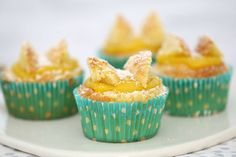 I have to say that these Thermomix Lemon Curd Cupcakes are one of my favourite things ever. Not only do they taste delicious - you can also make your own lemon curd in the Thermomix Lemon Recipes, Sweet Recipes, Baking Recipes, Muffin Recipes, Cupcake Recipes, Cupcake Cakes, Food Cakes, Cupcake Ideas, Tea Cakes