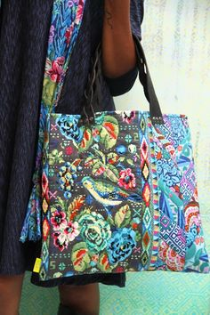 Amy Butler's Hapi fabrics, pattern from Amy Butler's Hapi Creative Suite and An Artful Piece Totes & Pillows