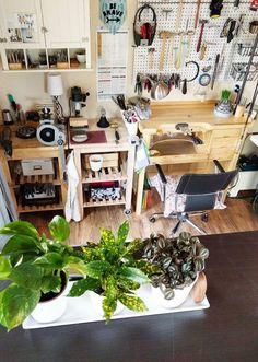 Featured Shop: Cindy Liebel – Creative Home Office Design Workshop Studio, Workshop Design, Home Workshop, Artist Workspace, Workspace Design, Office Workspace, Art Studio Design, Art Studio At Home, House Studio