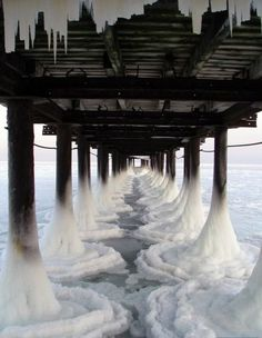 The ocean in winter. Nature is amazing! All Nature, Amazing Nature, Great Photos, Cool Pictures, Beautiful Pictures, Winter Pictures, Random Pictures, Amazing Photos, Nature Pictures