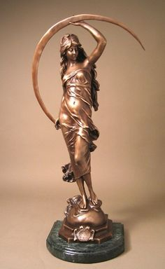 A.Moreau .-BEAUTIFUL LADY AURORE ART NOUVEAU BRONZE SCULPTURE. Sculpture (Bronze)