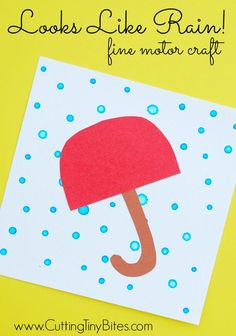 Looks Like Rain!  What a great activity to develop fine motor skills by using an eye-dropper to make rain drops!  Perfect craft for toddlers or preschooler weather theme unit.