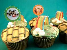 Cute Wizard of Oz cupcakes.