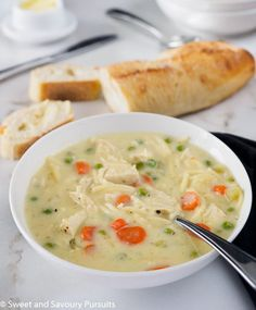 Homemade recipe for an easy Creamy Chicken Noodle and Vegetable Soup. Pregnancy… Homemade recipe for a simple creamy chicken noodle and vegetable soup. Soup Recipes, Chicken Recipes, Dinner Recipes, Chowder Recipes, Noodle Recipes, Cooking Recipes, Healthy Snacks, Healthy Recipes, Calamari