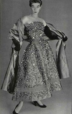 1952 Christian Dior                                                                                                                                                      More