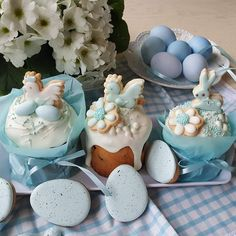 Inspiration decoration (only pic) Easter Cupcakes, Easter Cookies, Easter Treats, Holiday Treats, Holiday Recipes, Mini Cakes, Cupcake Cakes, Easter Biscuits, Easter Holidays