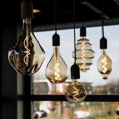 Vintage Light Bulbs, Vintage Lamps, Vintage Lighting, Edison Lighting, Cool Lighting, Pendant Lighting, Edison Bulbs, Long Light Bulbs, Industrial Style Lamps
