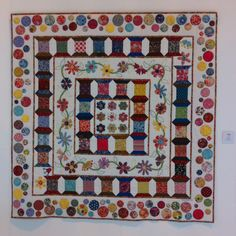 Pretty spool quilt~HenHouse: The Festival of Quilts Cute Quilts, Lap Quilts, Scrappy Quilts, Small Quilts, Mini Quilts, Colorful Quilts, Quilting Projects, Quilting Designs, Quilting Ideas