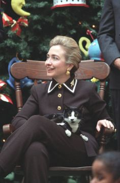 30 Photos Proving The Clinton Adminstration Was The Golden Age Of White House Pets