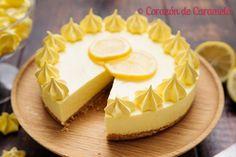 Pastel o tarta de limón sin horno con base de galletas y decoración a base de merengue francés. Sencilla, fácil y refrescante.