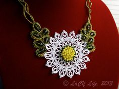 Tatted Lace Daisy Necklace Tatting With Beads Flower by LacyLife