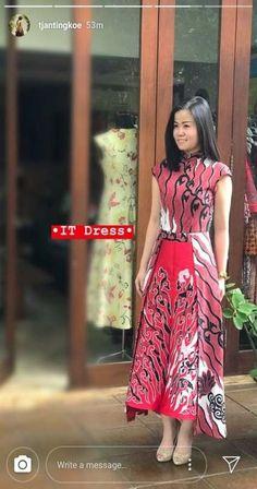 ideas dress elegant floral fashion for 2019 Tight Dresses, Trendy Dresses, Elegant Dresses, Women's Fashion Dresses, Skirt Fashion, Vintage Dresses, Casual Dresses, Batik Fashion, Floral Fashion