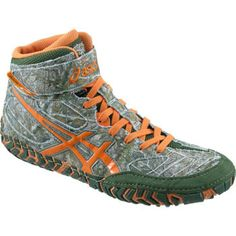 A fan of camo? Then these Asics Aggressor LE's are perfect for you!