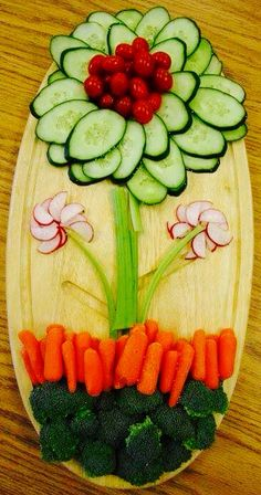 68 Trendy Ideas For Fruit Decoration Ideas Food Displays Veggie Tray Party Food Platters, Veggie Platters, Veggie Snacks, Food Trays, Veggie Tray, Vegetable Trays, Vegetable Carving, Fruit Trays, Fruit Party
