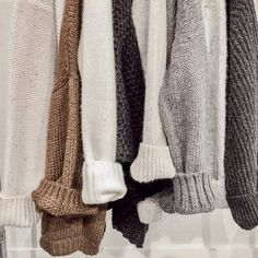 All sweaters. 20% off. This Black Friday. Be there. Teen Trends, Latest Trends, Outfits For Teens, Dresses For Teens, Fall Outfits, Teen Fashion Outfits, Autumn Fashion For Teens, Autumn Winter Fashion, Urban Fashion Trends