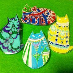 プラ板 Plastic Resin, Shrink Plastic, Resin Crafts, Diy Crafts, Shrink Art, Friendly Plastic, Shrinky Dinks, Handmade Accessories, Handicraft