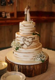 Trendy wedding cakes country theme tree stumps wedding cakes cakes elegant cakes rustic cakes simple cakes unique cakes with flowers Country Wedding Cakes, Black Wedding Cakes, Floral Wedding Cakes, Wedding Cake Rustic, Wedding Cake Designs, Rustic Cake, Tree Themed Wedding Cakes, Small Wedding Cakes, Country Wedding Decorations