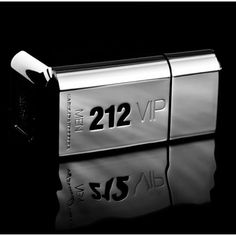 """212 Vip Men de Carolina Herrera http://www.bynewyork.com.br/212-VIP-MEN/prod-3418759/  212 Vip Men EDT 30 ml por 199,00 em até 7 X 31,93.  212 VIP Men de Carolina Herrera é um perfume Oriental Amadeirado criado por Emile Coppermann e Lucas Sieuzac e lançado em 2011. O Perfume 212 Vip Men completa o universo 212 Vip e representa o estilo e atitude dos homens Vip's de New York. O homem 212 Vip é carismático, divertido, elegante, sofisticado, desejado e invejado. Seu lema é: """"não basta ir à…"""