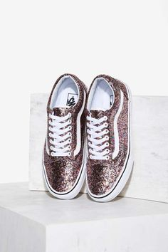 Vans Old Skool Leather Sneaker - Glitter Shop Product at Nasty Gal! Vans Sneakers, Leather Sneakers, Vans Shoes, Sneakers Fashion, Fashion Shoes, Tumblr Sneakers, Leather Vans, Golf Shoes, Cute Vans