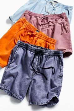 Shop Urban Outfitters' collection of mens shorts and swim trunks from top brands like Patagonia, Nike, and Polo Ralph Lauren. Older Women Fashion, Mens Fashion, Clothing Photography, Androgynous Fashion, Casual Outfits, Beach Outfits, Gym Shorts Womens, Menswear, How To Wear