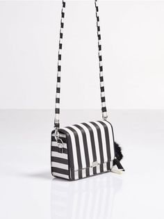 fabf461de1d402 69 najlepszych obrazów z kategorii Bags | Handbags, Shopper bag i ...