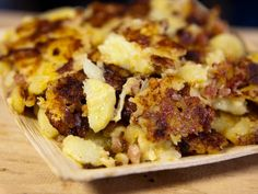 Pistolettes Recipe, French Food At Home, Cooking Channel Recipes, Cooking Ideas, Tartiflette Recipe, Spicy Steak, French Potatoes, Onion Recipes, Smoked Bacon