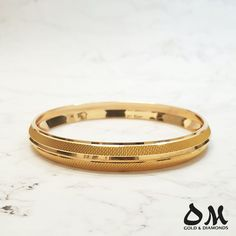 22 Karat Solid Gold Men's Kada from $1700. 💟💟Don't like the ones in stock? Custom make your own according to design/budget. 💟💟Shipping Australia wide. #omjewellers #omjewelaus #perth #brisbane #dubai #gold #goldjewellery #22karat #mensjewellery #kada #picoftheday #jewellerylove #luxury Mens Gold Bracelets, Mens Gold Rings, Mens Gold Jewelry, Gold Rings Jewelry, Antique Mens Rings, Gold Chain Design, Gold Bangles Design, Gold Earrings Designs, Bracelet Designs