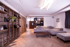 Gesamtkonzept Wohnung G. - Innenarchitektur by Kotrasch Divider, Room, Furniture, Home Decor, Herringbone Wood Floor, Condo Interior Design, Carpentry, Old Wood, Steel