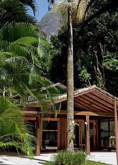 Casa no Jardim Botânico (com direito a vista para o Cristo Redentor), de Indio da Costa.