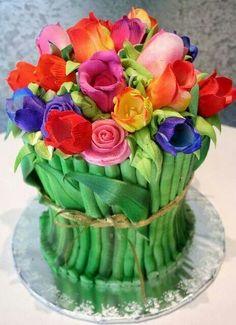 4115c582ab38 I love this cake! mini chOcOlate peppermint cupcakes Caramel Pumpkin Cake  It s a cake! Rose Bouquet cake by Rosebud I love this cake!