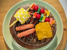 Get-Your-Grill-On Cake recipe from The Kitchen-jelly bean corn, candy kababs Rice Krispie burger, marshmallow coals. Dad Birthday Cakes, Birthday Bbq, Happy Birthday, Cake Design, Puffed Rice, Chocolate Cake Mixes, Chocolate Pudding, Cake Toppings, Food Network Recipes