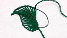 Button Hole Stitch, Embroidery Leaf, Buttonholes, Holiday Crafts, Plant Leaves, Diy And Crafts, Cross Stitch, Quilts, Buttons