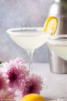 Lemon Drop Martini is sweet, tart, and oh so good! Get the easy recipe and find out how to make the best Lemon Drop Martini with vodka, orange liqueur, fresh lemon juice, and simple syrup. This classic cocktail is perfect for summer. It's a light and refreshing drink great for any fun occasion. #lemondrop #martini #cocktailrecipes Refreshing Cocktails, Classic Cocktails, Fun Cocktails, Martini Recipes, Drinks Alcohol Recipes, Alcoholic Beverages, Drink Recipes, Mcdonalds Sweet Tea